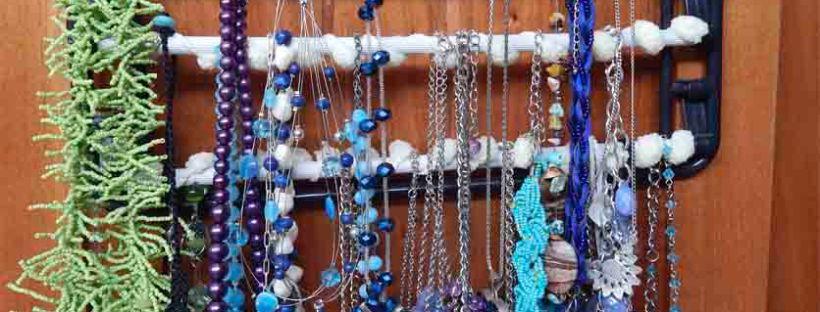 Jewelery Hangar